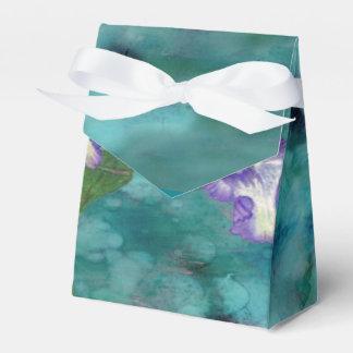 紫色のひだのアイリステント箱 フェイバーボックス