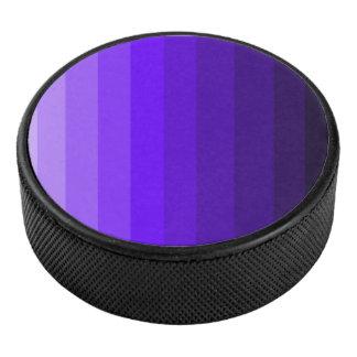 紫色のアイスホッケー用パックの陰 アイスホッケーパック