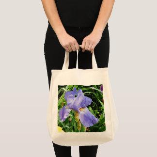 紫色のアイリス植物のトートバック トートバッグ