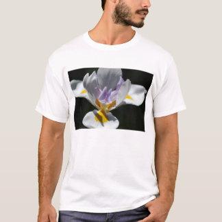 紫色のアイリス Tシャツ