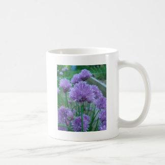 紫色のアサツキの花 コーヒーマグカップ