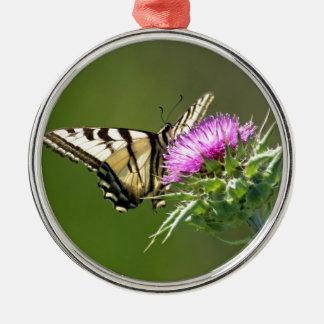 紫色のアザミのアゲハチョウの蝶 メタルオーナメント
