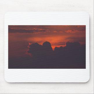 紫色のオレンジ日没の雲 マウスパッド
