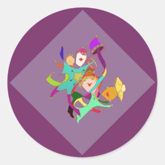 紫色のカーニバルのダンサー 丸形シール・ステッカー