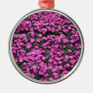 紫色のカーネーションの花の自然バックグラウンド メタルオーナメント