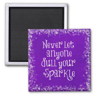紫色のガーリーで感動的な輝きの引用文 マグネット