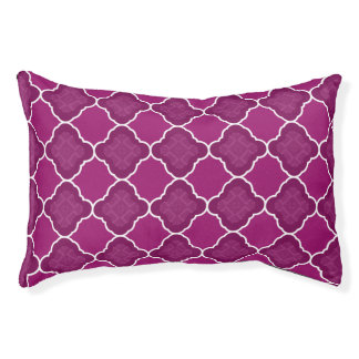 紫色のクローバーの幾何学的なパターン
