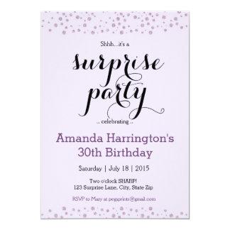 紫色のグリッターの驚きのバースデーパーティ招待状 カード