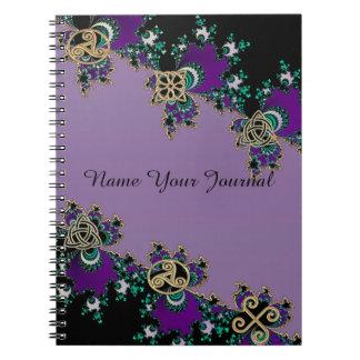 紫色のケルト族のフラクタルの秘法の記号 ノートブック