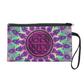 紫色のケルト結び目模様のクラッチが付いているサイケデリックな絞り染め リストレット