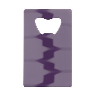 紫色のコンテンポラリーなカードオープナ クレジットカード ボトルオープナー
