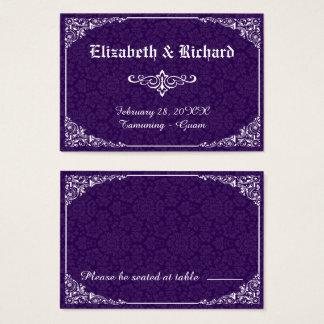 紫色のゴシック様式ビクトリアンなダマスク織の結婚式の座席表 名刺