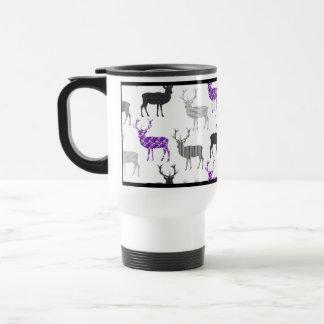 紫色のシカの雄鹿のクリスマスパターン トラベルマグ