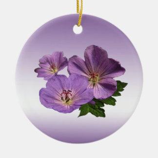 紫色のゼラニウムの花 セラミックオーナメント