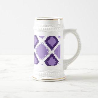紫色のダイヤモンドのイカットパターン ビールジョッキ