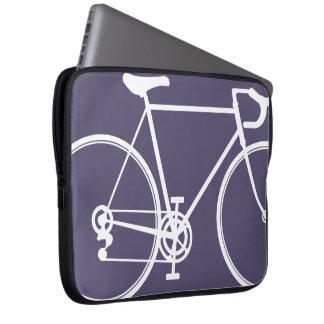 紫色のバイクのデザインのラップトップスリーブ ラップトップスリーブ