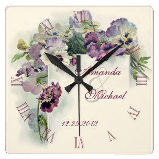 紫色のパンジーの結婚記念日 スクエア壁時計