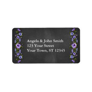 紫色のパンジー、黒板 ラベル