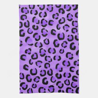 紫色のヒョウのプリントパターン キッチンタオル