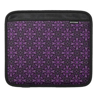 紫色のフラクタルパターン iPadスリーブ