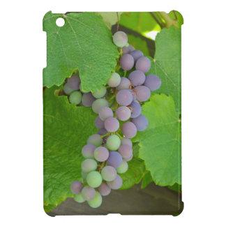 紫色のブドウの束 iPad MINIケース