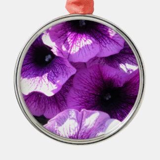 紫色のペチュニアの列 メタルオーナメント