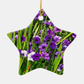 紫色のペチュニアの花柄 セラミックオーナメント