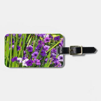 紫色のペチュニアの花柄 ラゲッジタグ