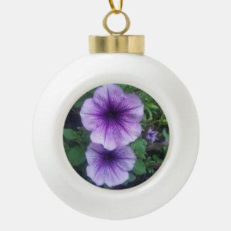 紫色のペチュニア 陶器製ボール型オーナメント