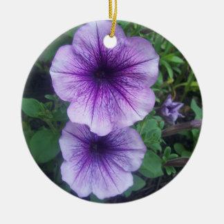 紫色のペチュニア 陶器製丸型オーナメント