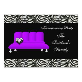 紫色のモダンなソファーの引っ越し祝いパーティーのパーティーInvitatio カード