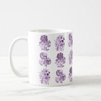 紫色のモノクロ花 コーヒーマグカップ