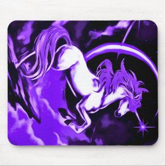 紫色のユニコーンのエアブラシの芸術 マウスパッド