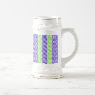 紫色のライムグリーンのストライプのなシェブロンの夏のジグザグ形 ビールジョッキ