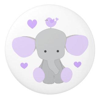 紫色のラベンダー象の女の赤ちゃんの子供部屋のドレッサー セラミックノブ
