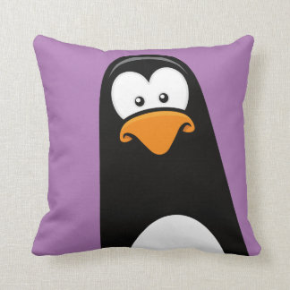 紫色の予測できない漫画のペンギン クッション