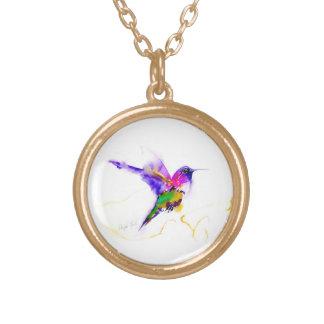 """""""紫色の光輝""""のハチドリのプリント ゴールドプレートネックレス"""
