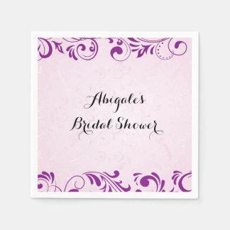 紫色の名前入りなブライダルシャワーのパーティのナプキン スタンダードカクテルナプキン