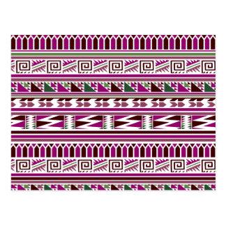 紫色の幾何学的でモダンでアステカな種族のプリントパターン ポストカード