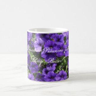 紫色の情熱のペチュニアのマグ コーヒーマグカップ