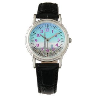 紫色の数字の東京タワーのスカイライン 腕時計