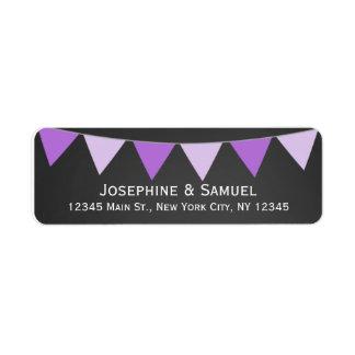 紫色の旗の黒板の結婚式の住所 返信用宛名ラベル