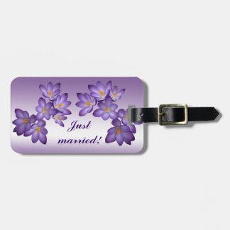 紫色の春の花の結婚式 ラゲッジタグ