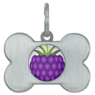 紫色の果実の刺激を受けたなラズベリー ペットネームタグ