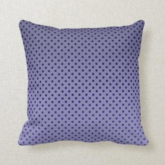 紫色の水玉模様 クッション
