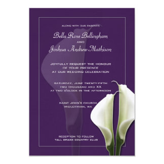 紫色の白いオランダカイウのユリの結婚式招待状 カード