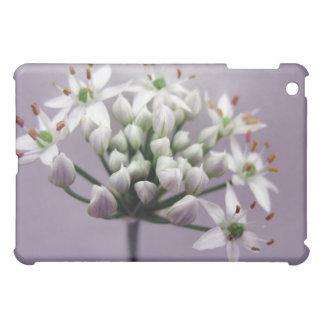 紫色の白いニンニクアサツキの花 iPad MINIケース