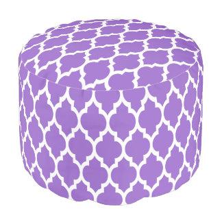 紫色の白いモロッコのクローバーパターン#4 プーフ