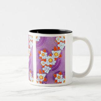 紫色の白い花 ツートーンマグカップ