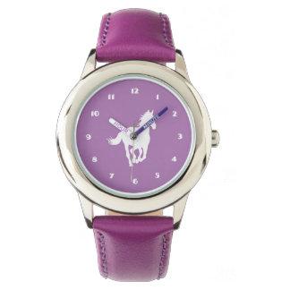 紫色の白馬のシルエット 腕時計